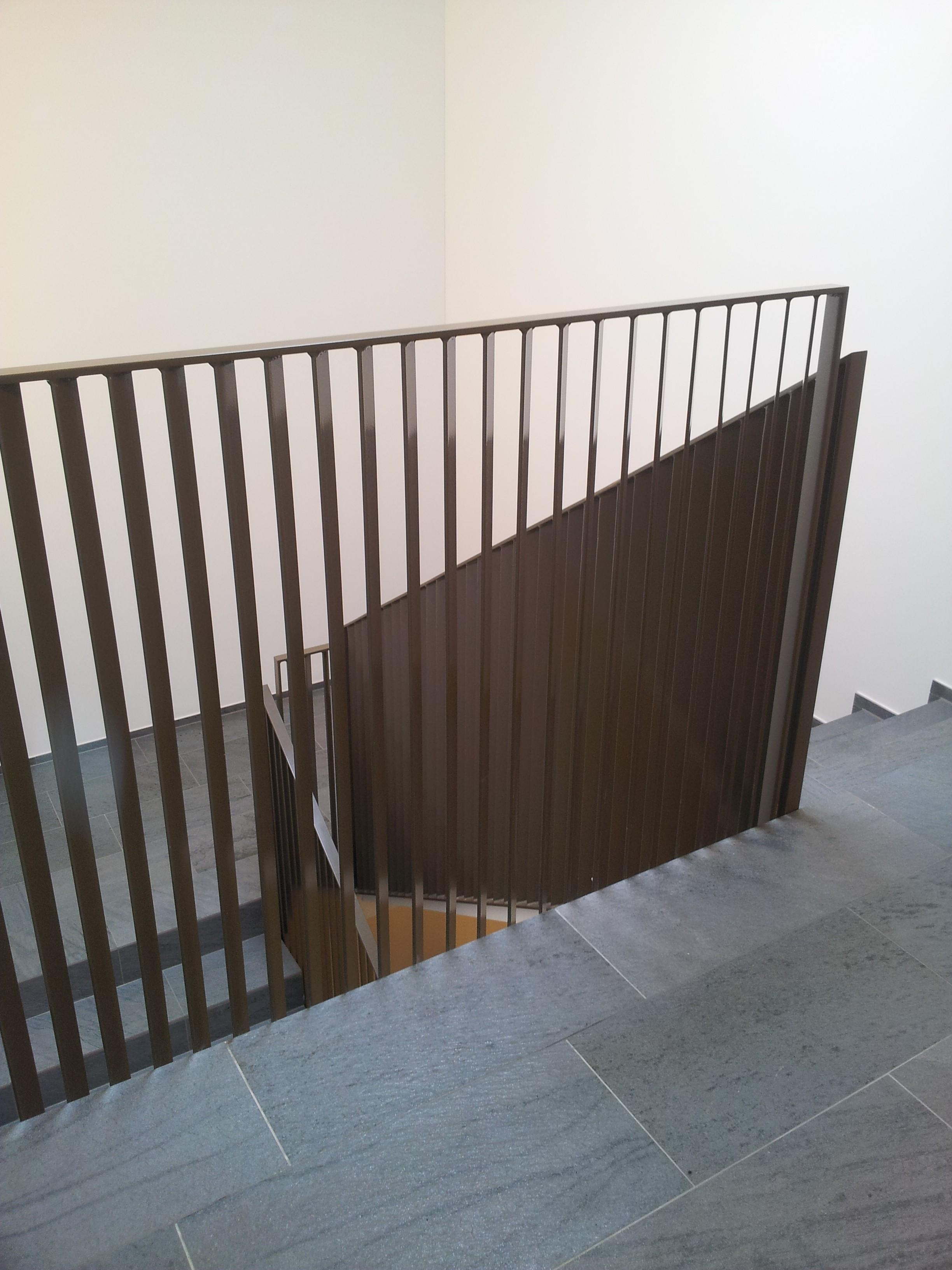 Metalltreppe_Treppe_Geländer